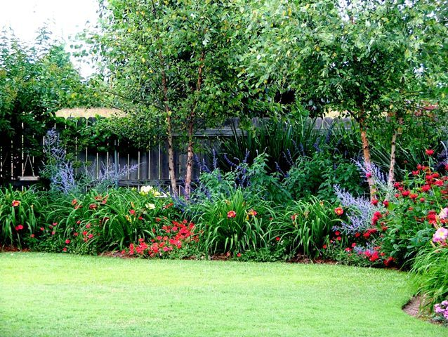 stunning flower garden design for small backyards awesome flower garden design for small backyards natural flowers black fence - Perennial Flower Garden Ideas Pictures