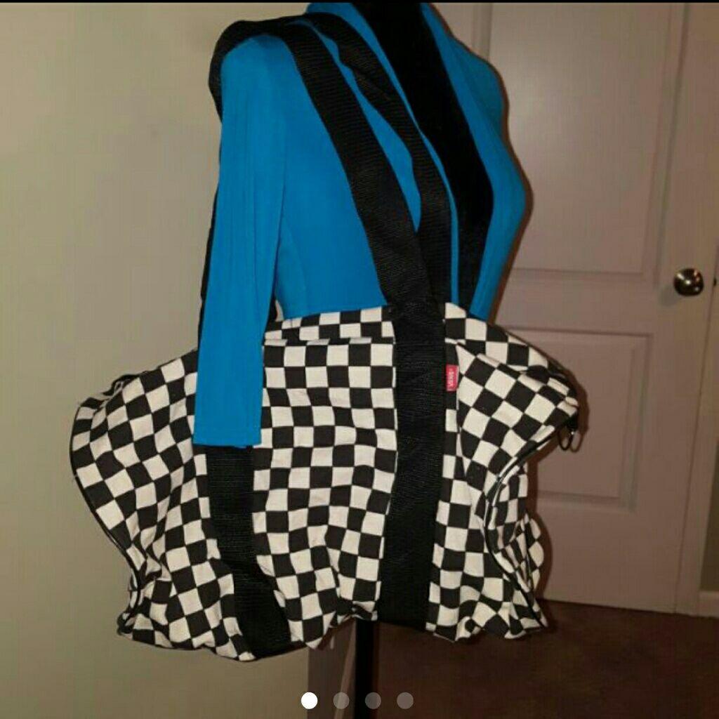 212dbc80f3 Vans Checkered Duffel