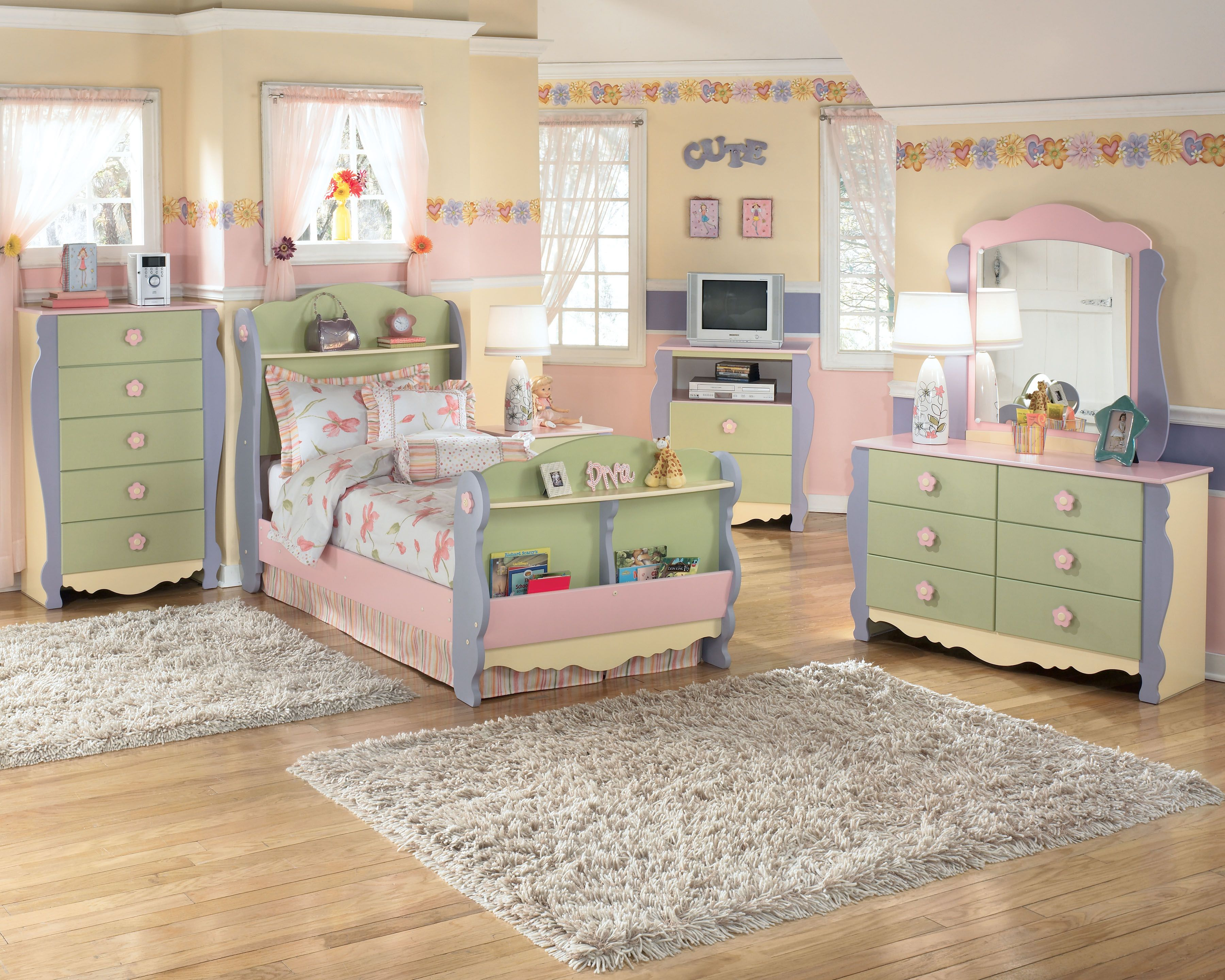 Such A Sweet Ashley Furniture Homestore Bedroom For A Little Girl