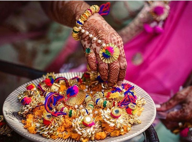 Amazing Yet Affordable Haldi Favour Ideas For Your Guests Gift Ideas For Wedding Guests In India Wedding Gift Favors Indian Wedding Favors Diy Wedding Favors