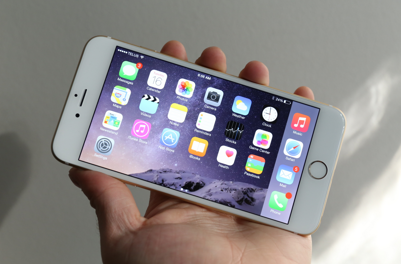 iPhone 6 Plus Review The First Truly WellDesigned Big