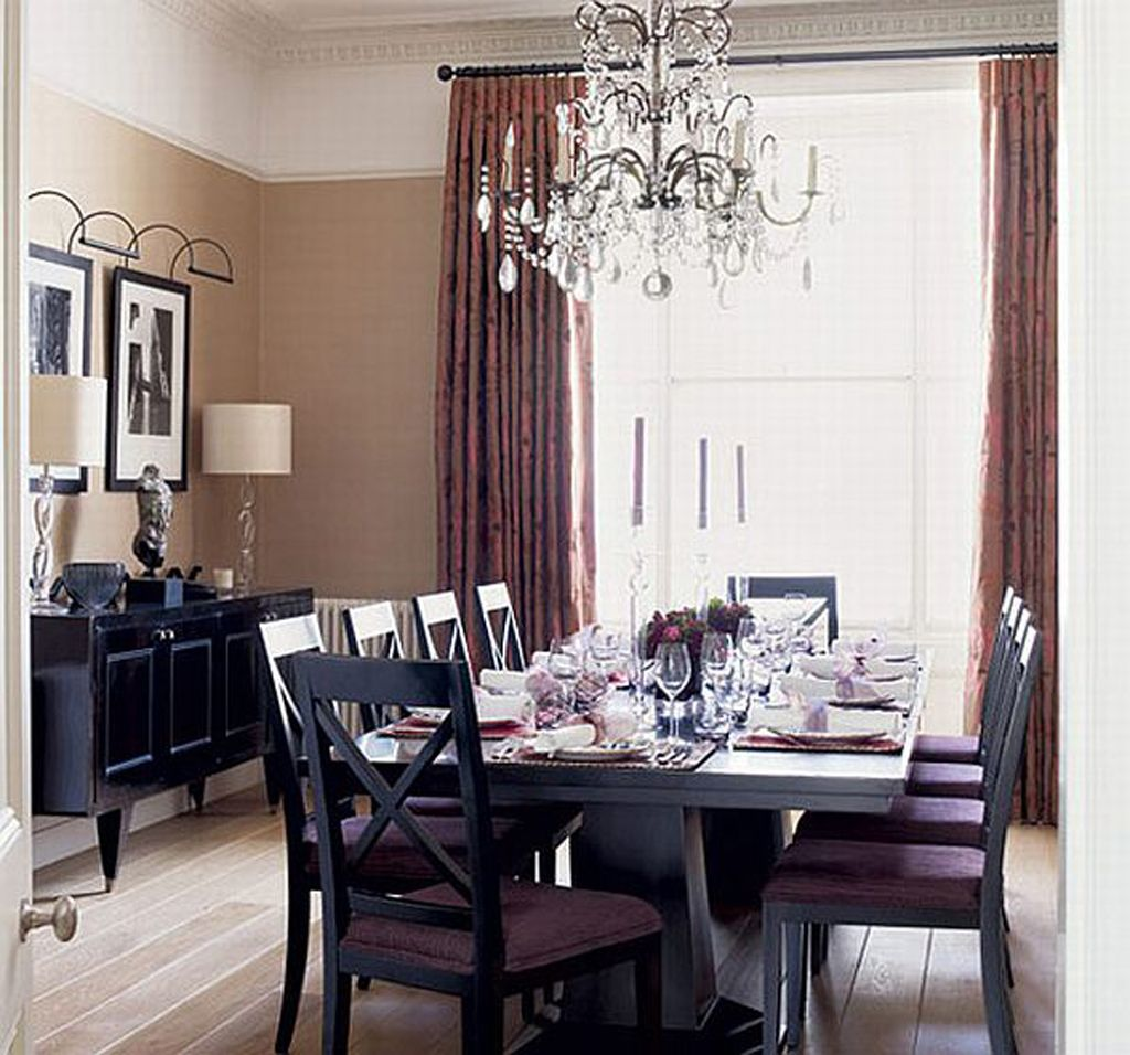 Purple dining room - Retro Dining Room Design With Good Looking Dining Table And Chairs Also Wooden Floor And Crystals