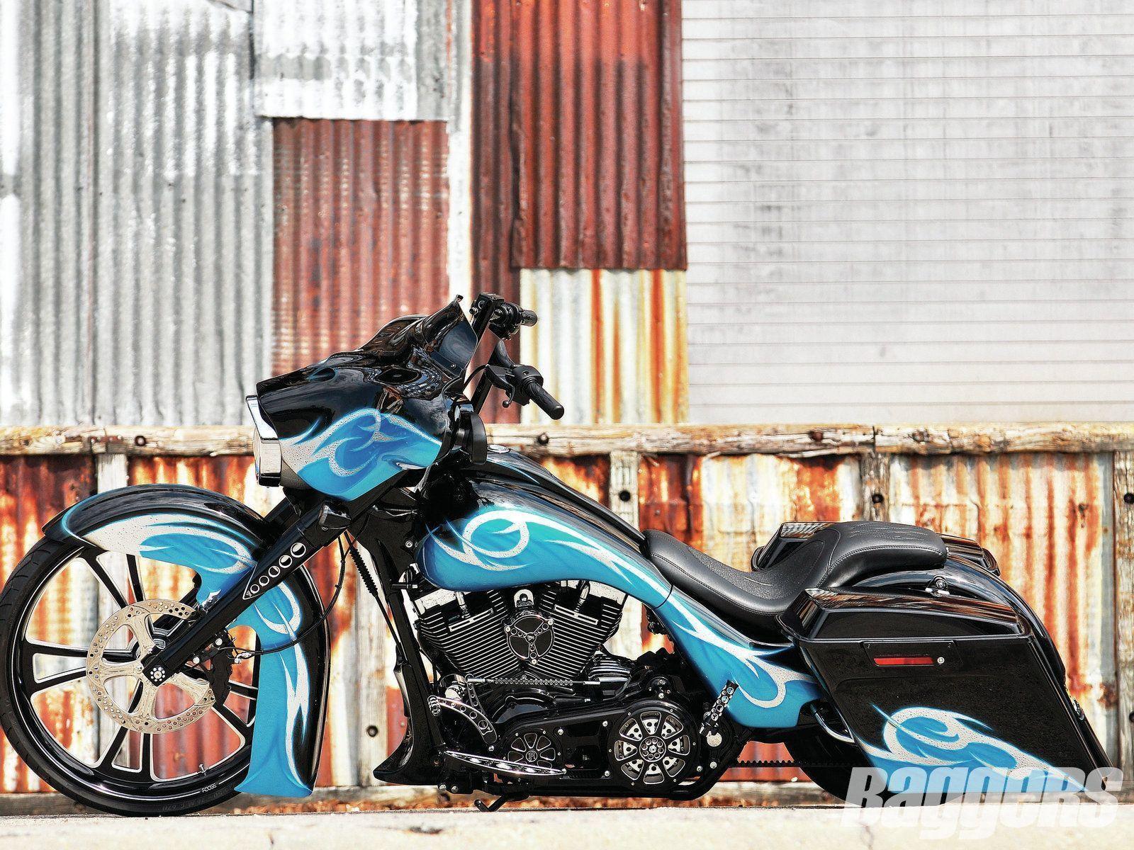 2011 Harley-Davidson Street Glide Meet local harley riders Best Dating Site for harley davidson singles http://www.harleydavidsonsingles.com #harleydavidsonstreetglidespecial #harleydavidsonglide