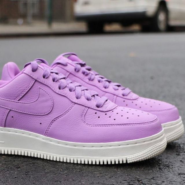 finest selection 523ac edf6d Sneakers women - Nike Air Force 1 purple (©alltheright)