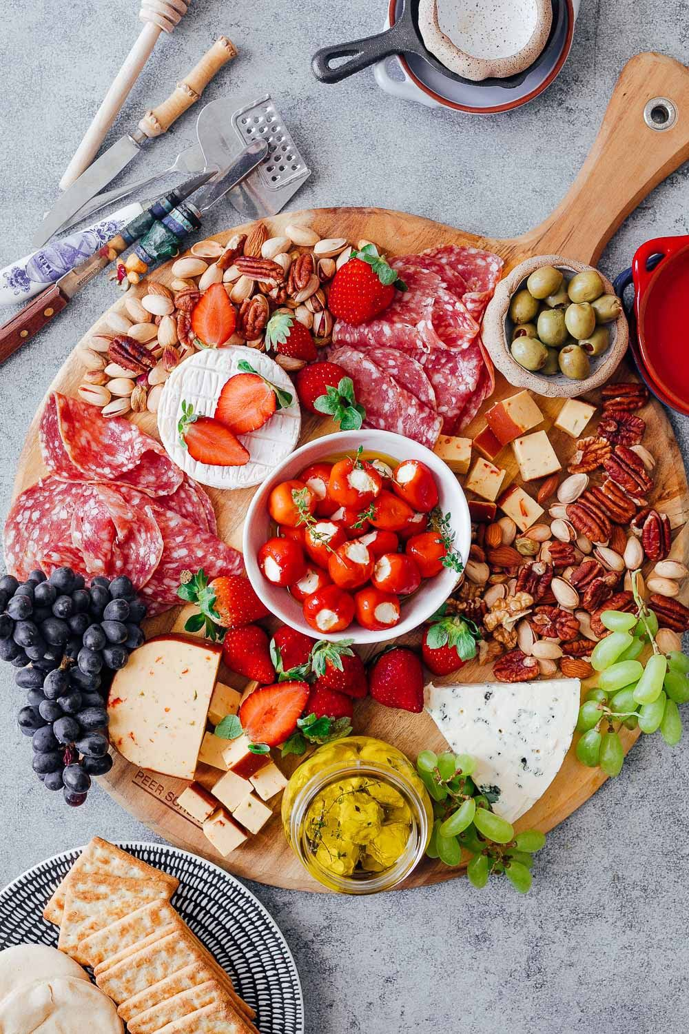 How To Make The Ultimate Wine And Cheese Board On A Budget Recetas Saludables Recetas Salud