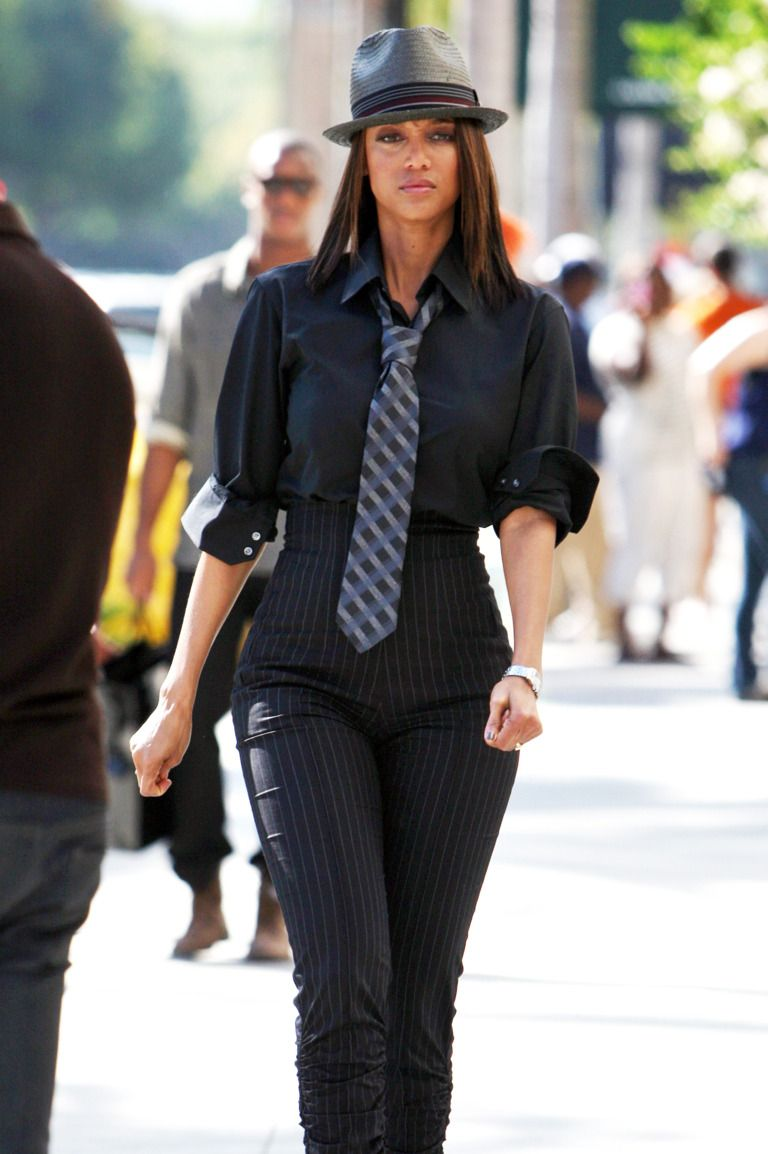 The Tyra Banks Look Book In 2020 Tyra Banks Tyra Next Top Model