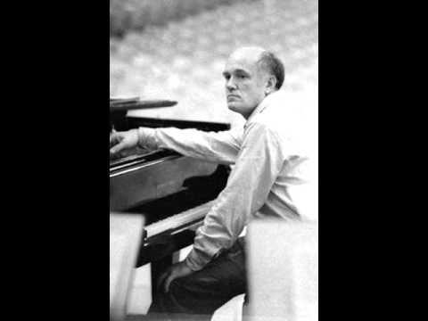 (1) Sviatoslav Richter plays Mozart Concerto No. 20 in D minor, K. 466 - YouTube