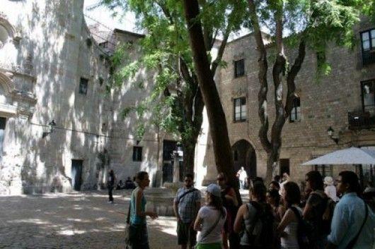 Sant Felip Neri's Square Barcelona (by Pedro Ghinaglia)