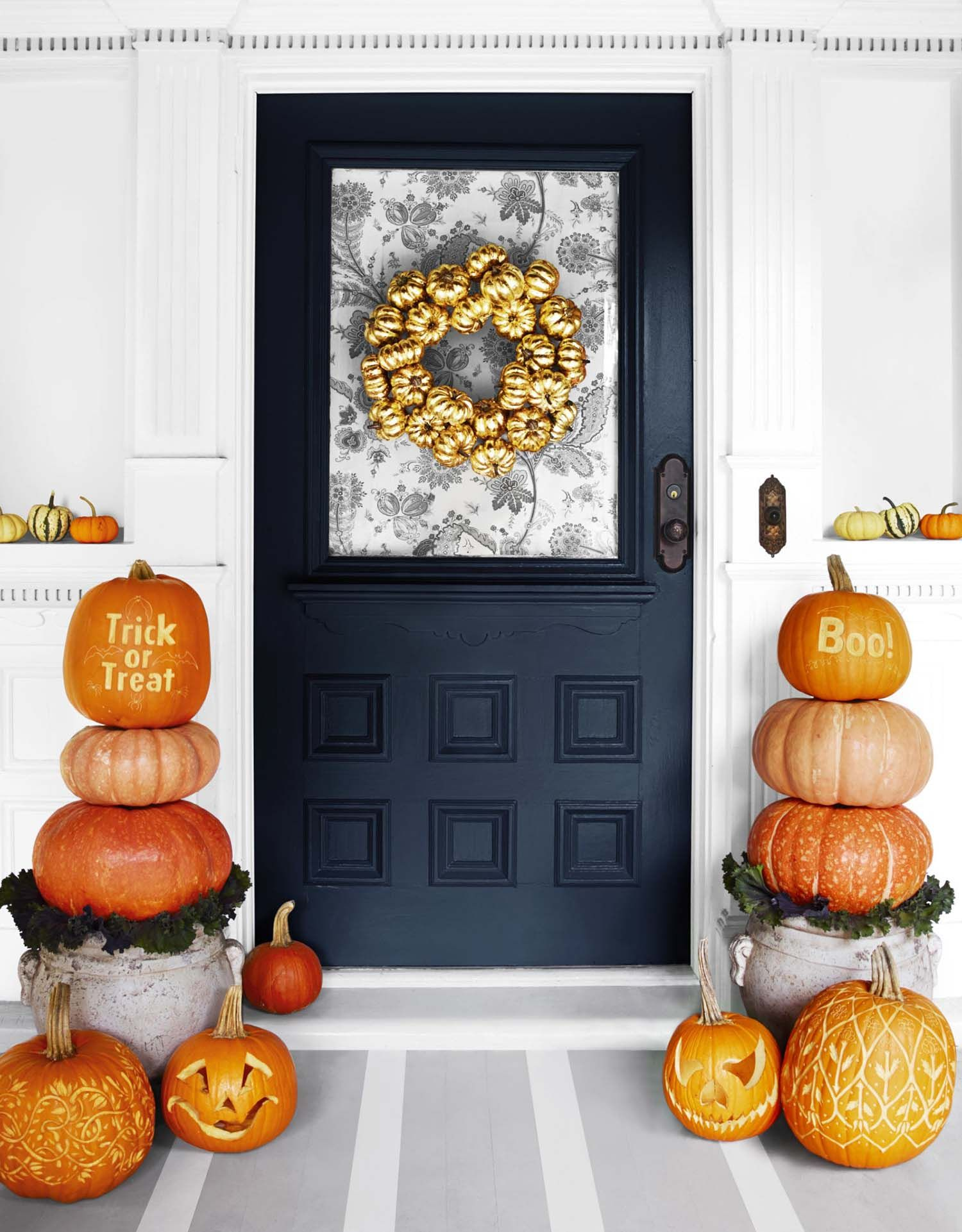 33 Amazingly creative Halloween front door decorating ideas - Front Door Halloween Decorations