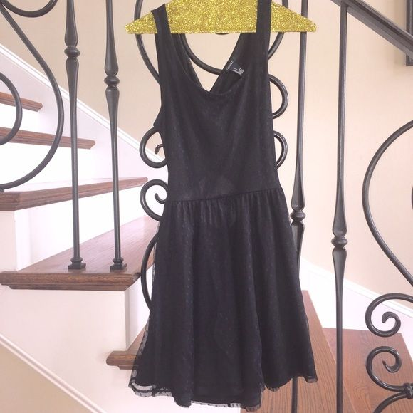 Forever 21 Criss Cross Open Back Dress Skater dress. Great condition. Criss cross open back. Forever 21 Dresses