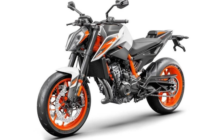 Ktm 890 Duke R Breaks Cover At Eicma To Come In India Ktm New