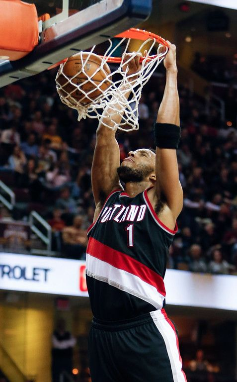 Portland Trail Blazers Evan Turner  Dunks Against The Cleveland Cavaliers During The Second Half Of An Nba Basketball Game Wednesday Nov