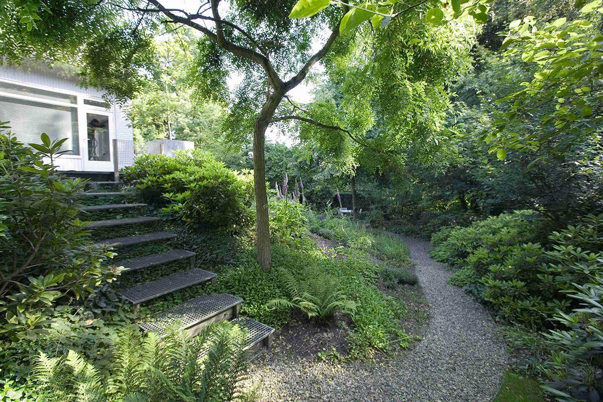 Beplantingsplan Natuurlijke Tuin : Villa met natuurlijke tuin zogenaamd natuurlijke groepering