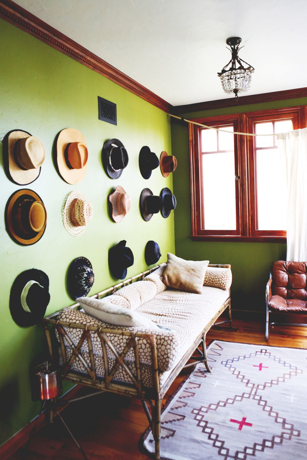Decorating A Room Online: 11 Cool Online Décor Shops Where It Girls Go To Decorate