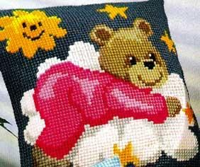 Вышивка крестом на подушке мишки