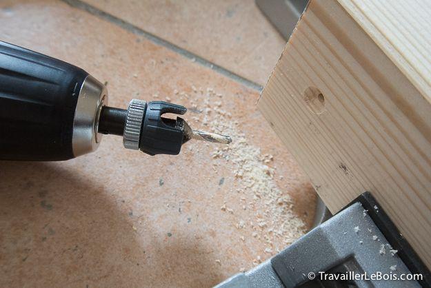 Fabrication D Un Placard 3eme Partie Travailler Le Bois Placard Travailleuse Scie A Onglet