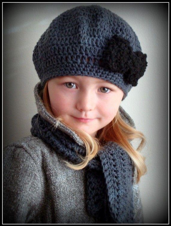 Poupées En Crochet · Chrocheted Charcoal Color Beret with Black Bow for by  knits4cuties,  17.00 Vêtements Filles, Béret 19ef8dc2321