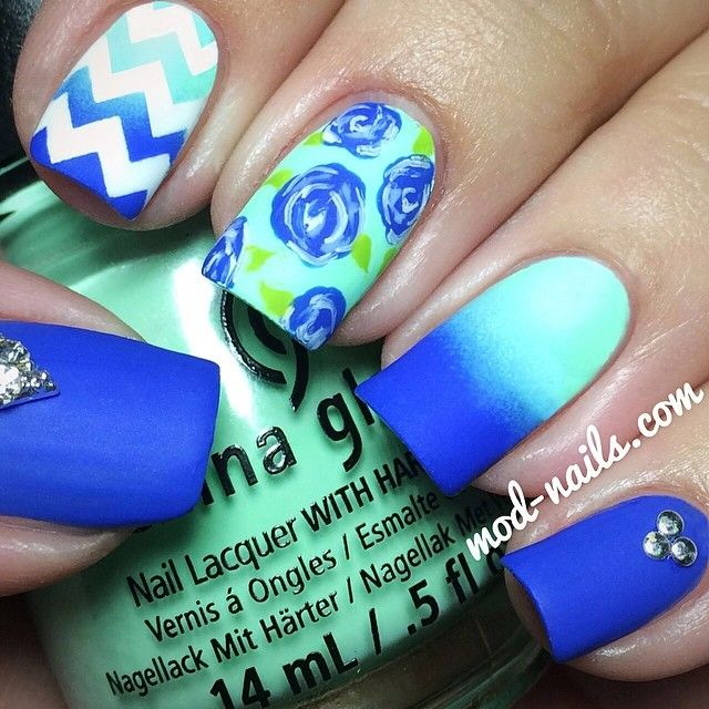 matte blue gradient summer nails
