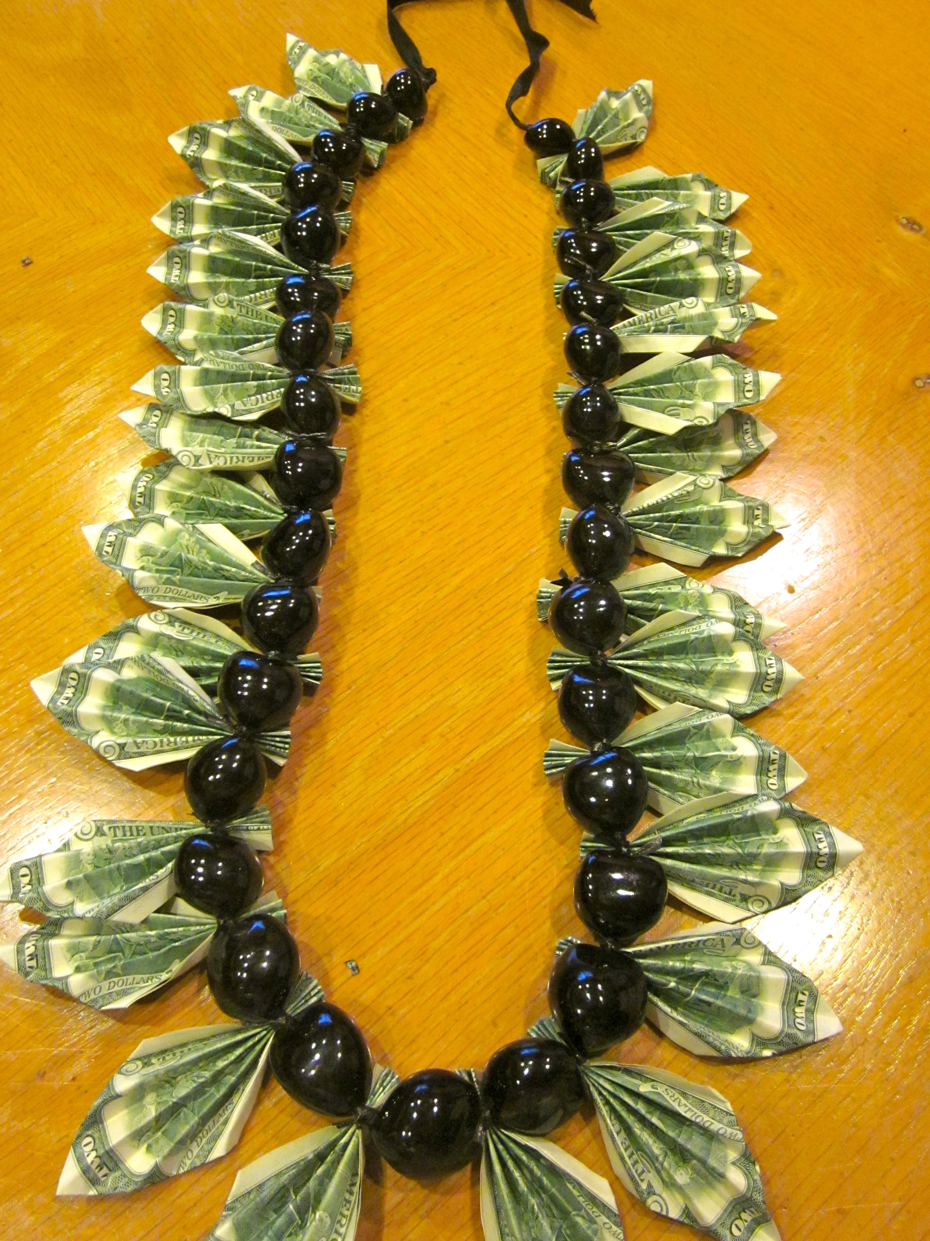 How To Make A Simple Money Necklace