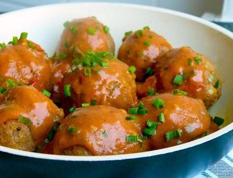 Bulgur Kartoffel Bällchen in würziger Tomatensoße