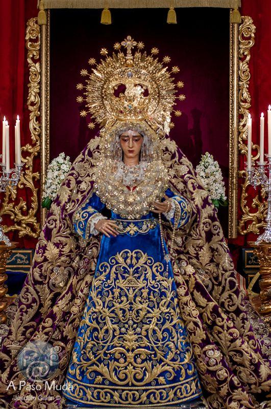 Besamanos Caridad Del Baratillo 2 014 Fotos Semana Santa Manto De La Virgen Semana Santa Sevilla