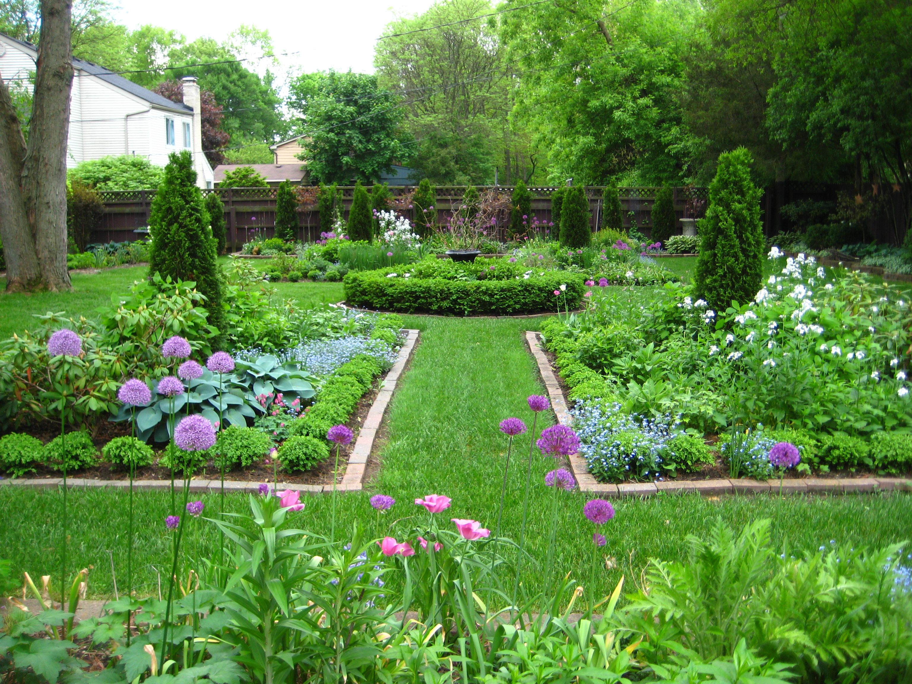 Pinterest backyard gardens august garden the june for August garden designs