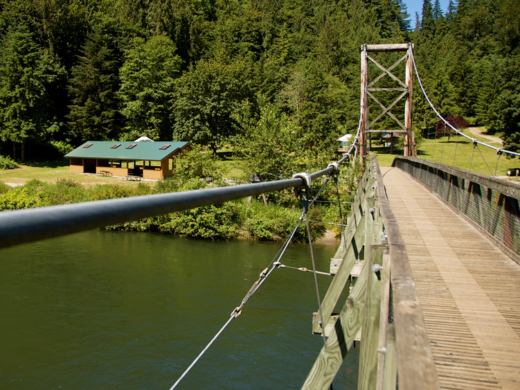 Outdoor Wedding Venues Washington State: Tolt Bridge Shelter, Carnation Wedding Venue