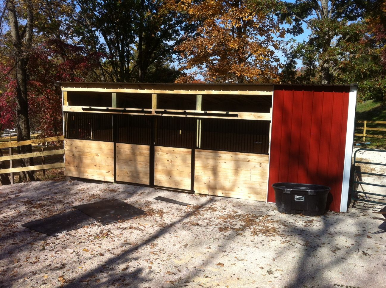 Integrity horse stalls used to create a run in barn for Horse barn materials