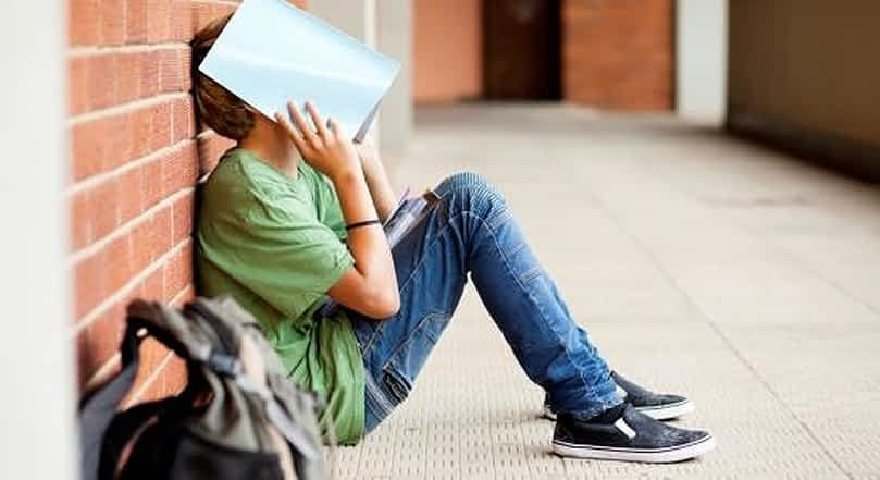 الشعور بالنقص وترك المدرسة أثر الغياب على التحصيل الدراسي Learned Helplessness School Mom High School Students