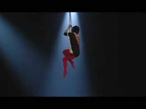 This is amazing! I usually don't like fast-paced routines or moves on aerial apparatus, but this girl has skills, grace, and fantastic execution. I am seriously loving this lyra act. Creative and unique, too. #lyra #circus