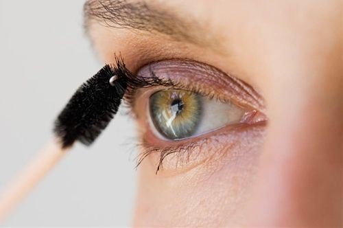 Makeup+For+Beginners:+Mascara+For+Your+Eye+Shape