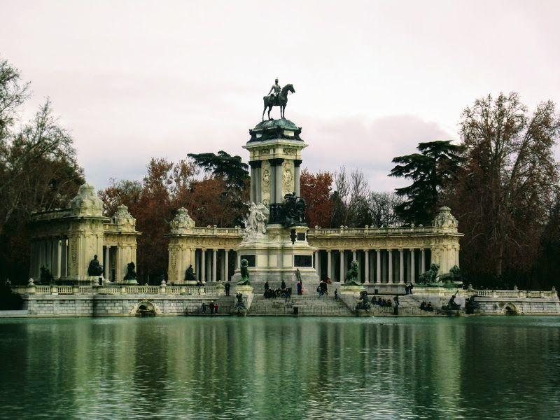 Parque Del Retiro Madrid Per Altre Informazioni Visita Il Nostro Sito Madrid Parque Parco Retiro Spain Spagna Capitale Travel Madrid Spagna Viaggio