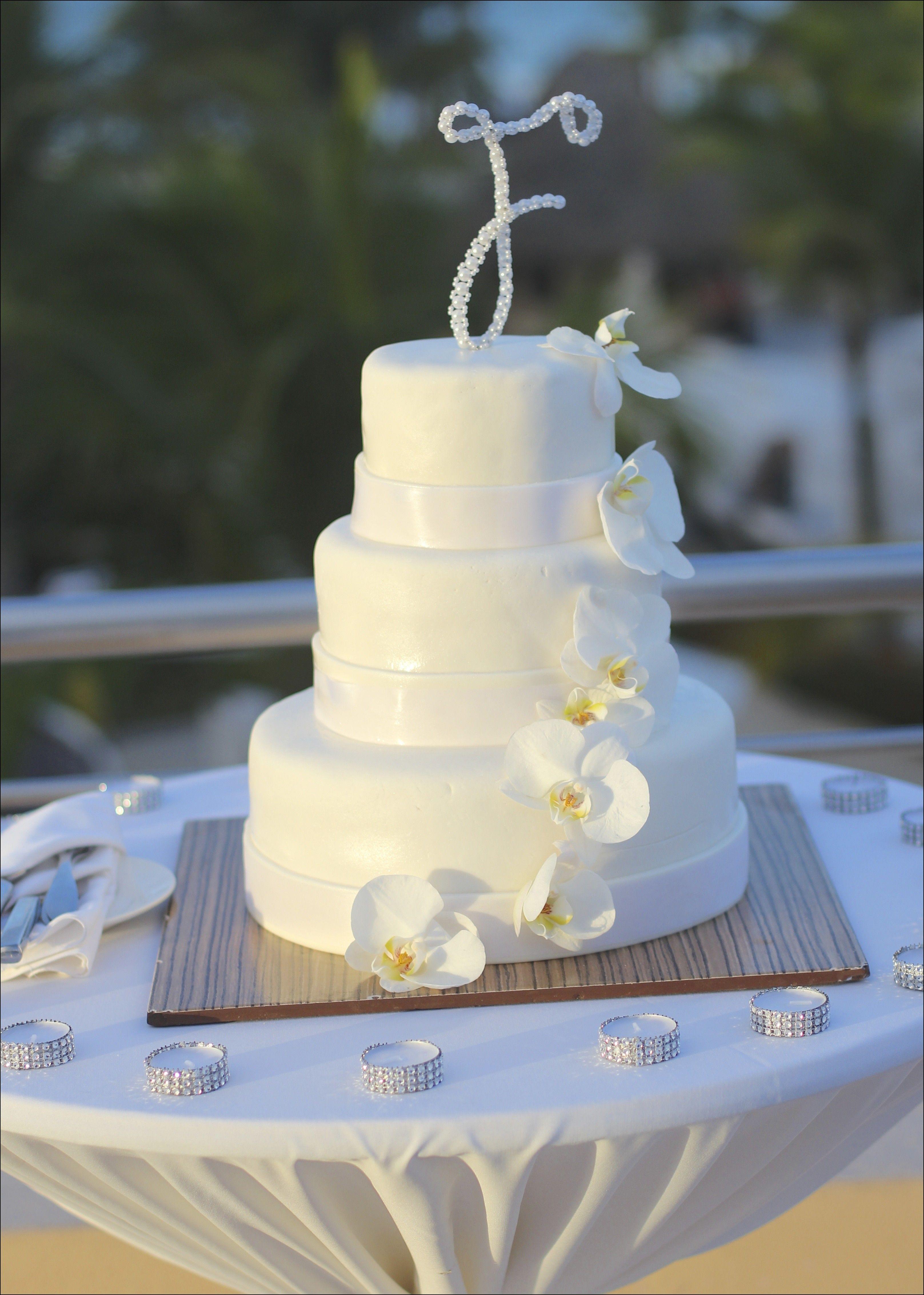 Dominican Wedding Cakes - Complimentary 3-tier wedding ...