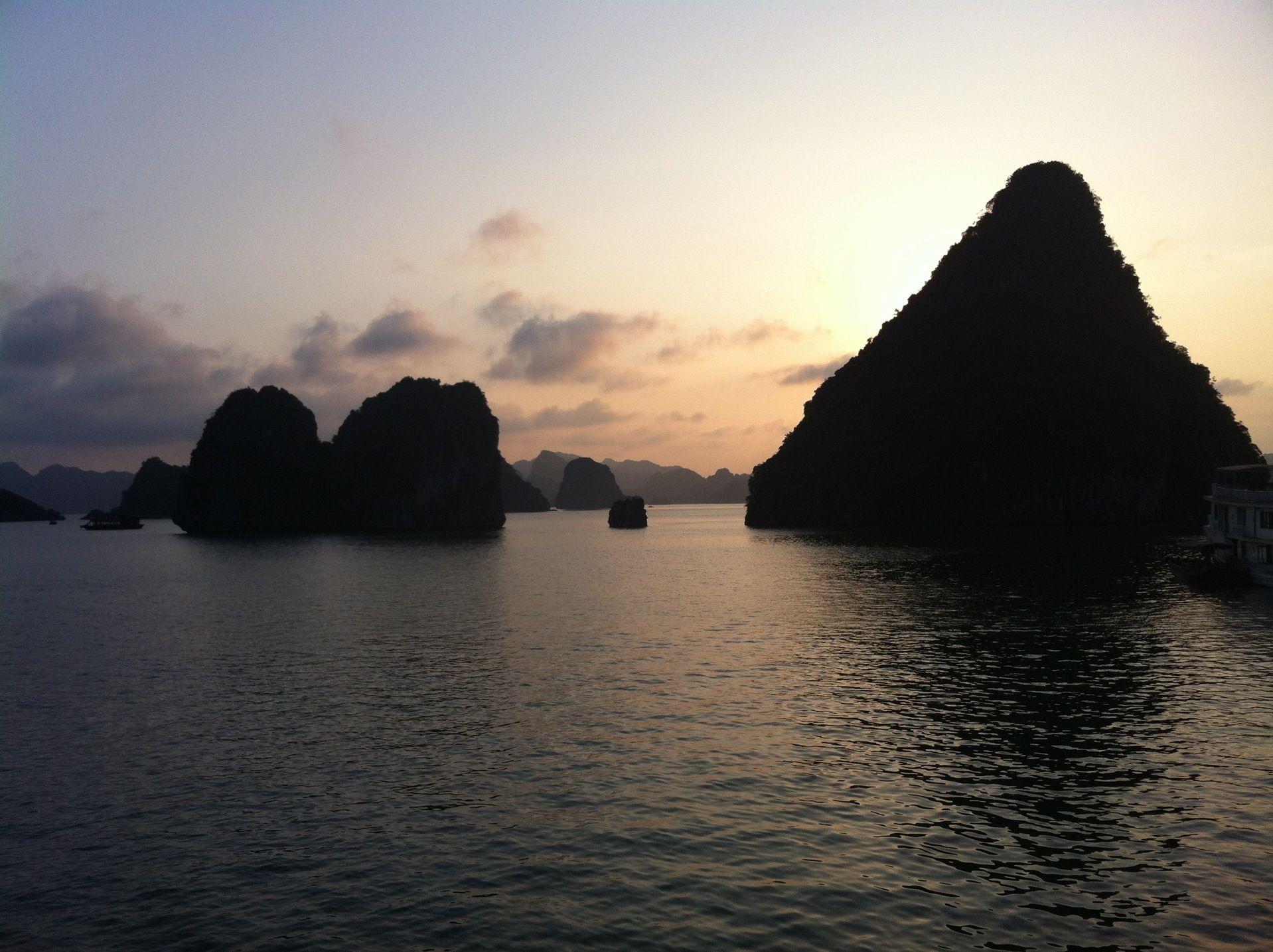 Vịnh Hạ Long Ha Long Bay Ha Long Ha Long Bay Places To Go