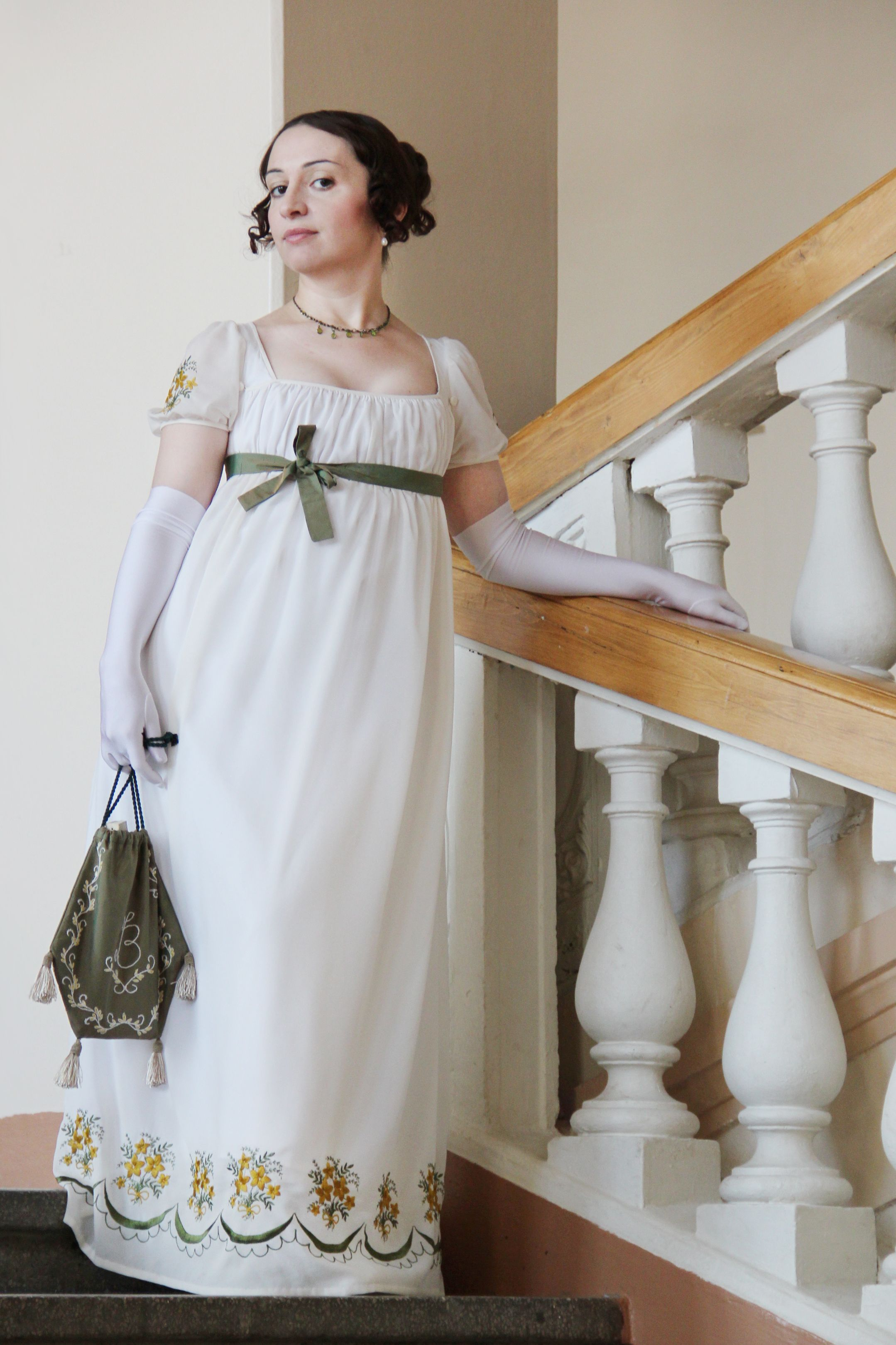 What does an empire style look like in clothes and interior