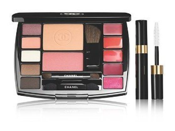 CHANEL TRAVEL MAKEUP PALETTE Makeup Essentials with Travel Mascara #beauty #chanel
