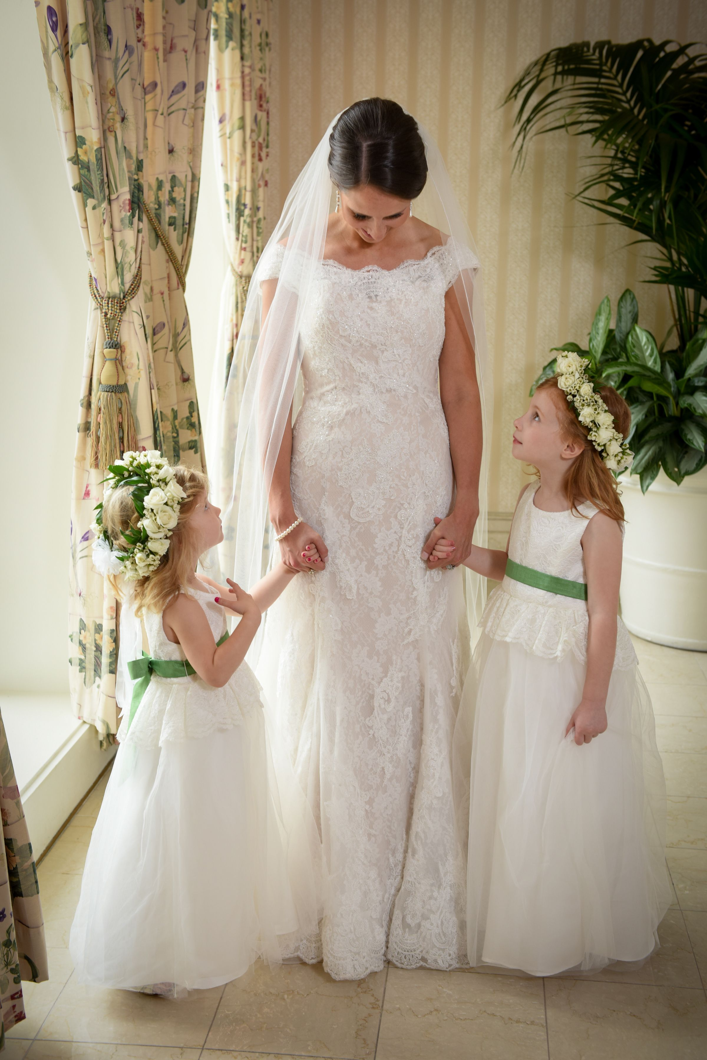 These Precious Flower Girls Are All Dolled Up For This Brides Disneys Fairy Tale Wedding