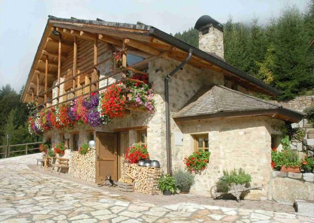 Case In Tronchi Di Legno Trentino : Maso santa romina agriturismo trentino case rustiche case di