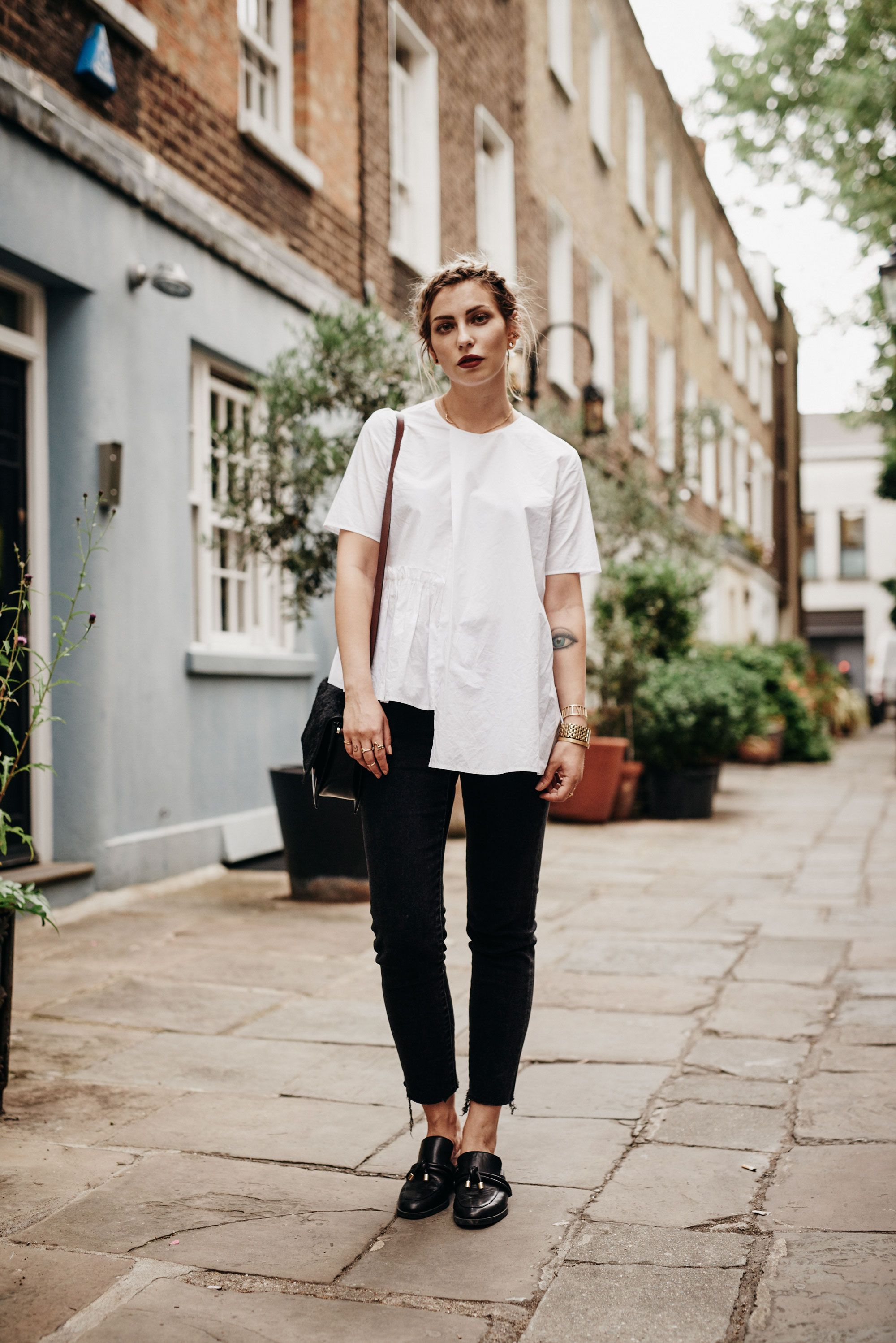 how to wear  black   white  79dcc0f13224