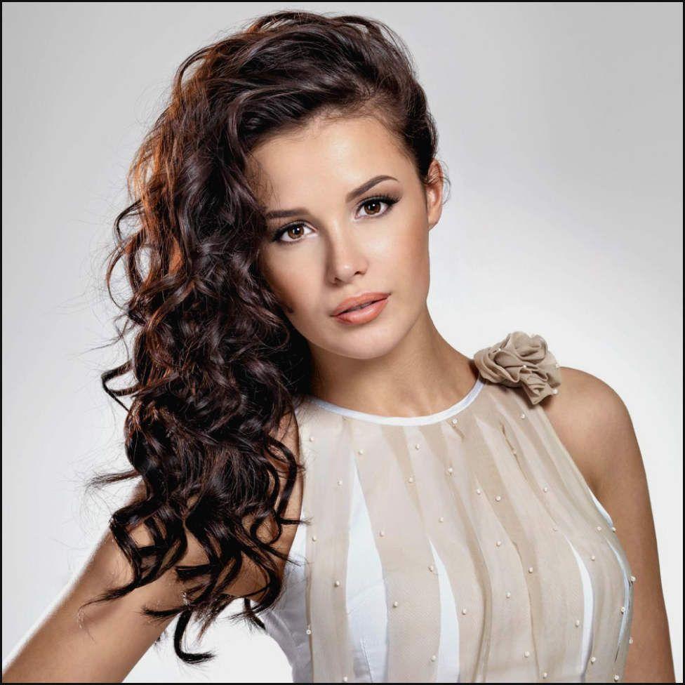Frisuren Frauen Schone Fur Mittellange Lockige Haare Wunderbare