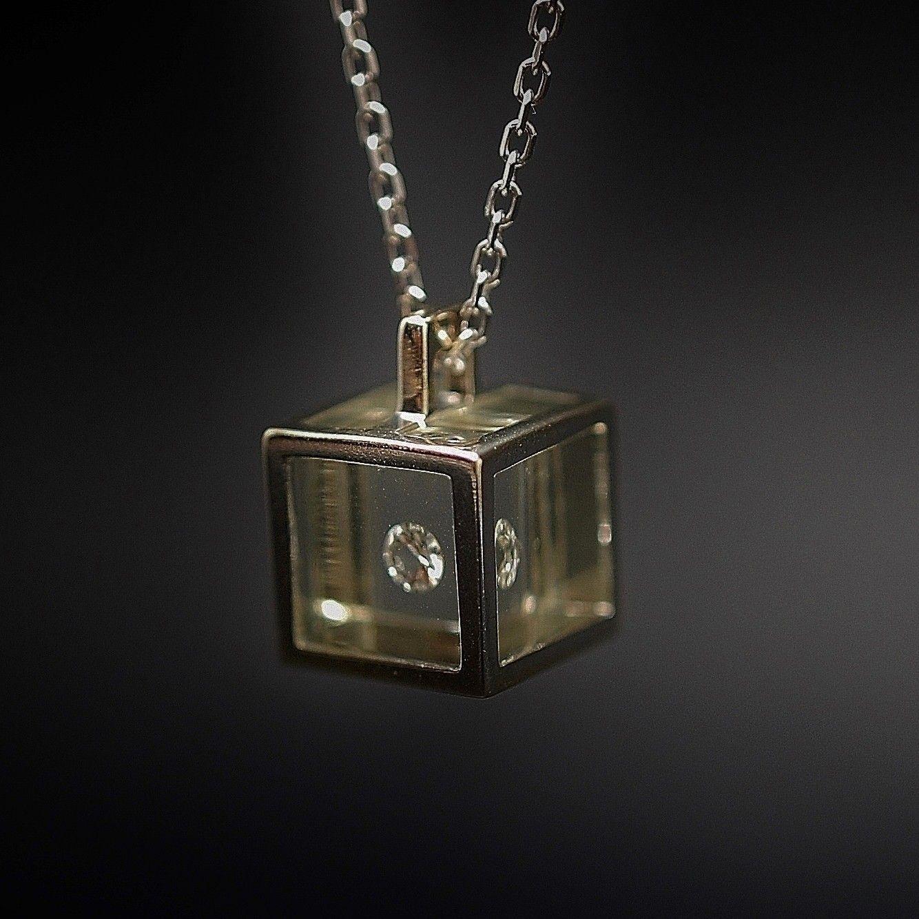 Modele de pendentif en diamant