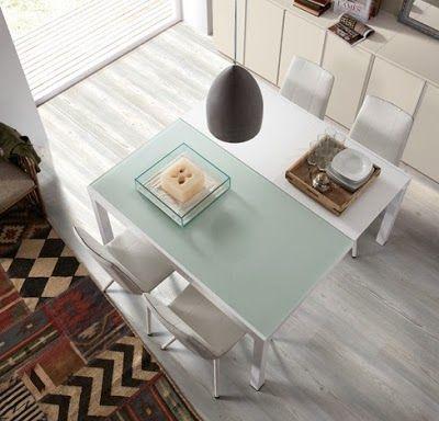 #mesas extensibles Mitrapara el comedor. Cerrada es rectanguar y abierta cuadrada