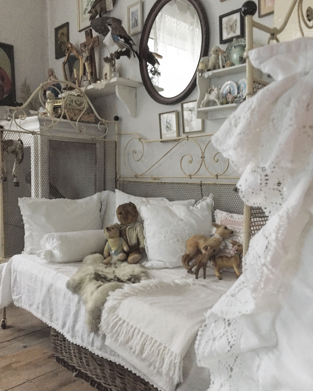 Chambre Style Shabby Romantique Épinglé par martine grosjean sur decoration shabby