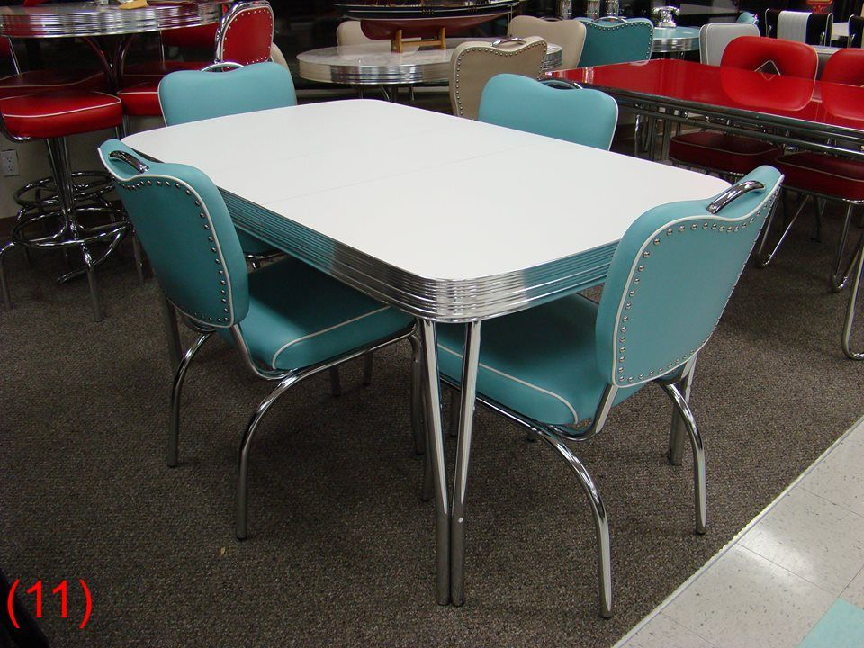 Cool Retro Dinettes 1950 S Style Canadian Made Chrome Sets Vintage Kitchen Table Retro Kitchen Tables Retro Dining Rooms