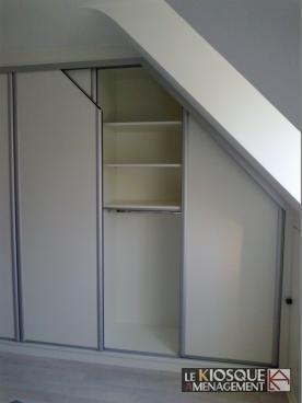 dressing sous pente a portes coulissantes bricolage et. Black Bedroom Furniture Sets. Home Design Ideas