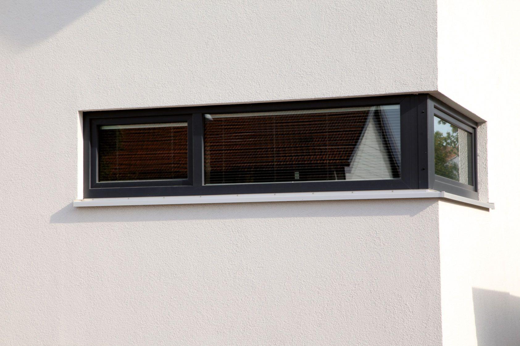 Quer liegendes eckfenster einfamilienhaus sonnenplatz for Fenster quer