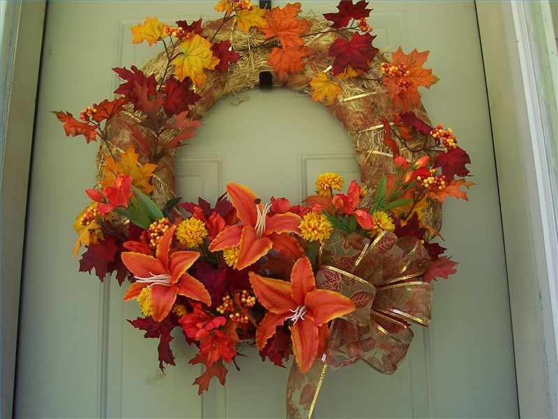 How to Decorate a Large Fall Straw