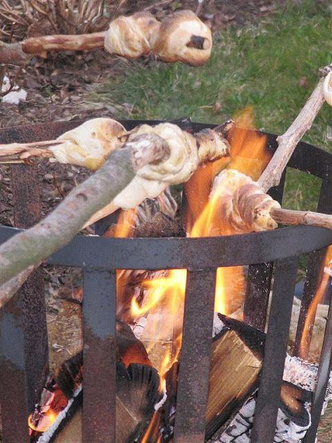 broodje boven vuur onze favoriete zomeractiviteit