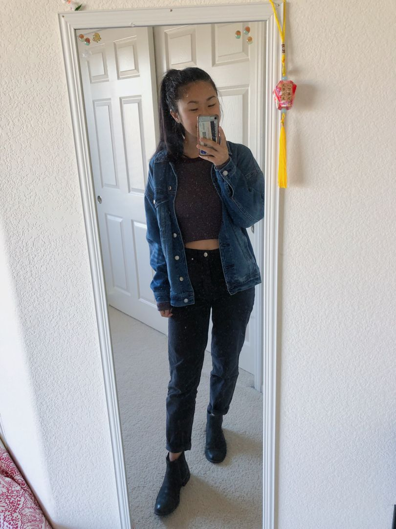 Pin By Melissa S Outfit Tracker On Spring Fall Outfits Black Mom Jeans Outfit Mom Jeans Outfit Grunge Mom Jeans Outfit