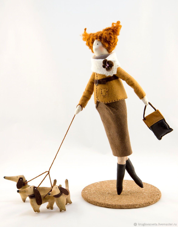 Купить Кукла тильда с таксами! Текстильная интерьерная кукла Тильда  Георгина в интернет магазине на Ярмарке Мастеров 248fde627f9